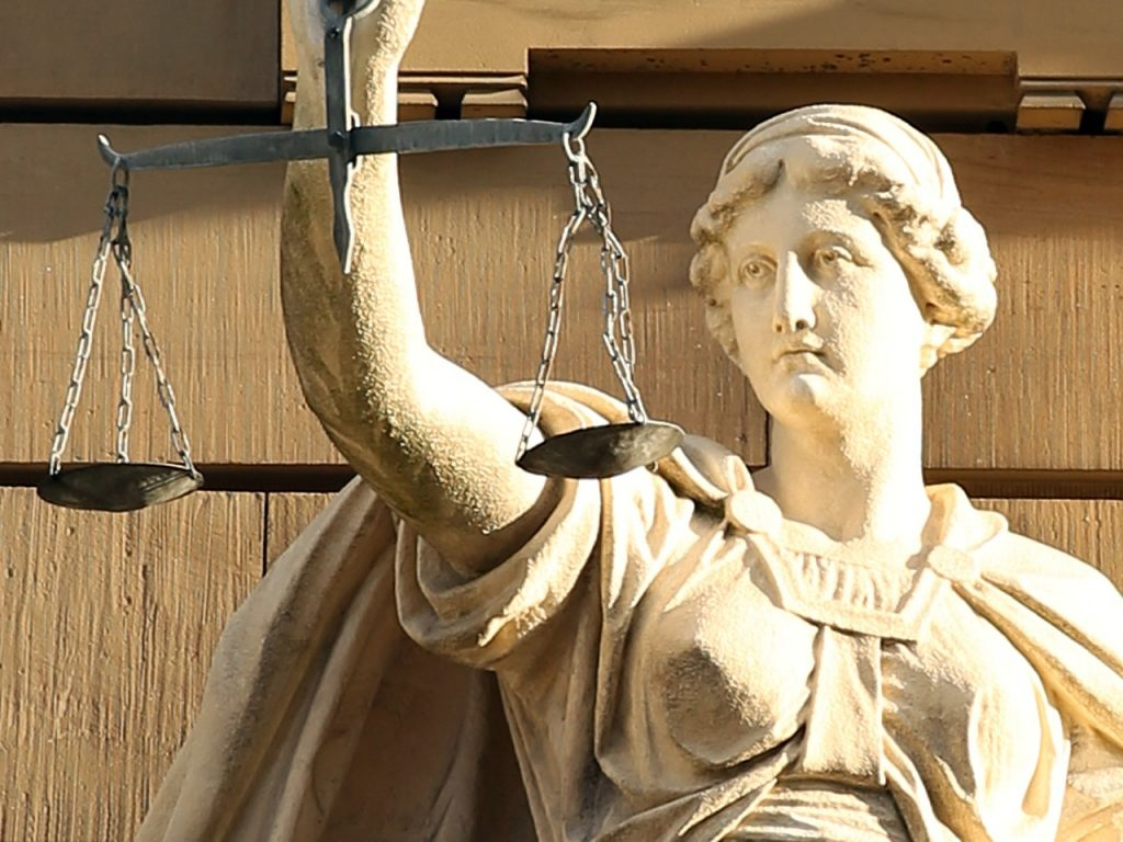 Urteil:Trickbetrug ist nicht immer eine Sache für die Versicherung
