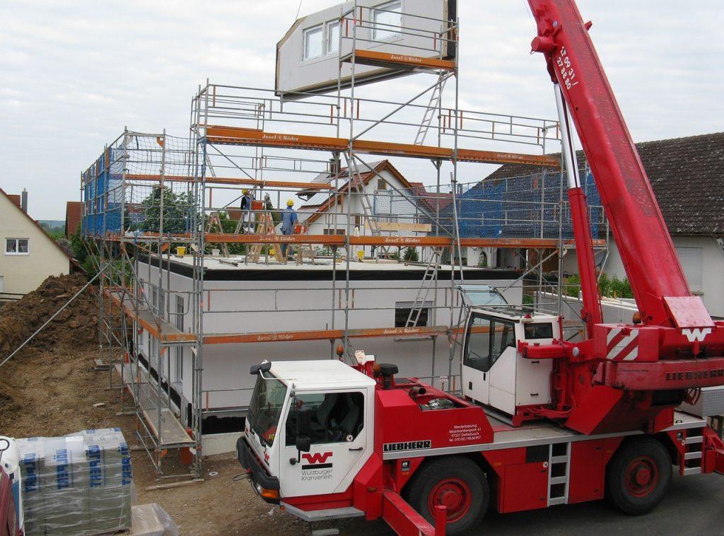 In der Baubranche lauern viele Risiken auf Bau-Unternehmer, Architekten & Co.