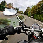 Auf in die Motorrad-Saison: Worauf Biker und Autofahrer jetzt achten sollten