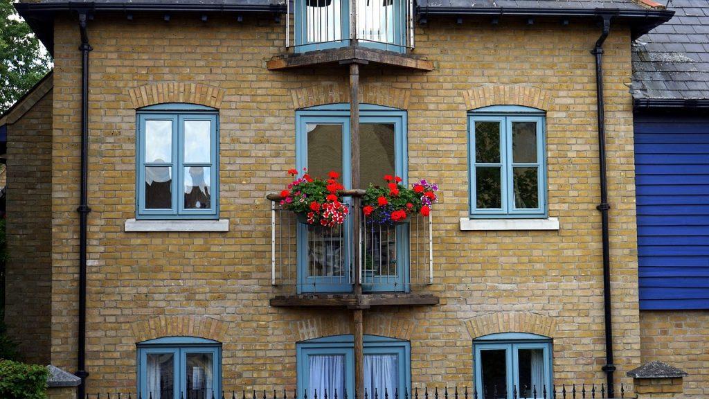 Das gescheiterte Gesetz hat neue Energiestandards für den Bau von öffentlichen Gebäuden ab 2019 vorgesehen.