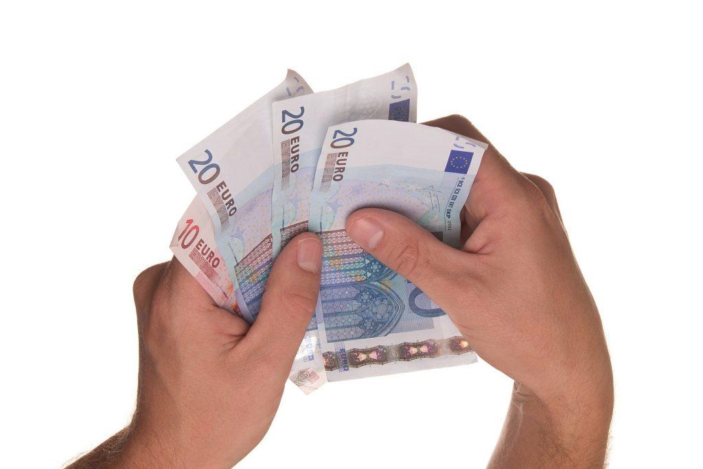 Vorsicht bei Girokonten mit Nullzins-Dispo - Banken bitten ins Pump-Paradies