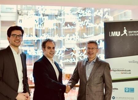 Von links nach rechts auf dem Foto: Johannes Wagner (Organisation Director InsurTech Hub Munich and Startup Cooperation der Versicherungskammer Bayern), Andy Goldstein (Geschäftsführer des LMU Entrepreneurship Centers) und Dr. Robert Heene (Vorstandsmitglied der Versicherungskammer Bayern)