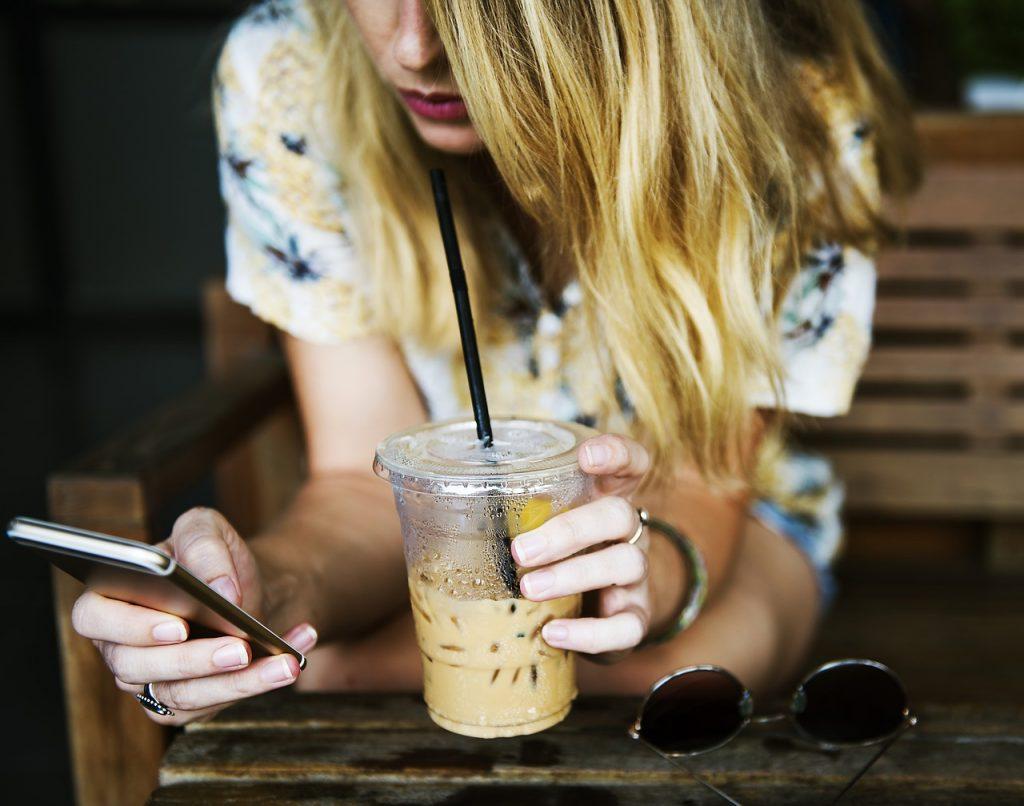 Vorsicht – Abzocke per Smartphone: Hilfe bei ungewollten Abos