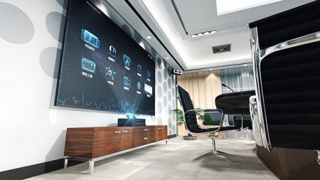 """Ein Smart-Fernseher, über den sich alle Elemente des """"Smart Homes"""", eines vernetzten Zuhauses, steuern lassen. Auch hierüber können sich Cyber-Kriminelle Zugang zu sensiblen Daten verschaffen"""