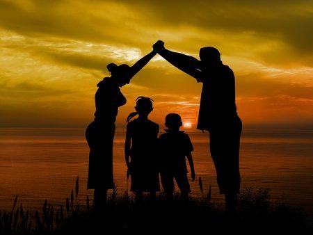 Der Zentrale Immobilien-Ausschuss (ZIA) empfiehlt statt des Baukindergeldes lieber eine Senkung der Grunderwerbsteuer