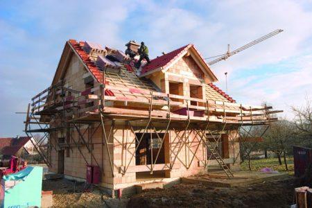 Baupfusch ist nicht nur für Häuslebauer nervenaufreibend, er kann auch für die zuständige Firma teuer werden. (Foto: Bausparkasse Schwäbisch Hall)