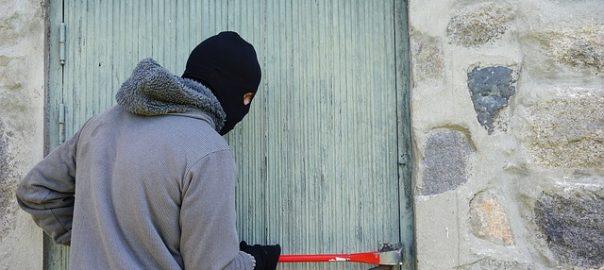 Im vergangenen Jahr haben die Versicherungsunternehmen nach GDV-Angaben erneut einen Rückgang bei der Zahl der gemeldeten Wohnungseinbrüche verzeichnet.