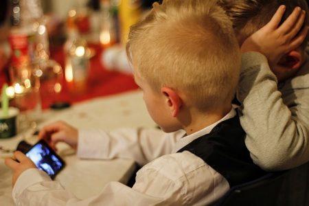 Kinder können mit technischen Tools vor Gefahren im Internet geschützt werden