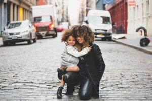 """Schulstart: Wie """"Elterntaxis"""" ihre Fahrgäste bei der Fahrt zur Schule am besten absichern"""