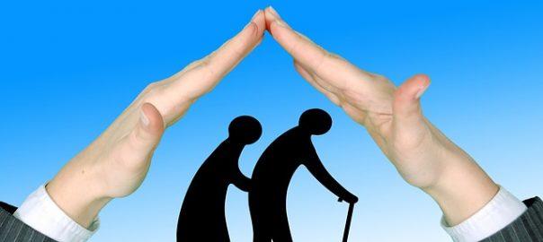 Höhere Kosten bei weniger Leistungen: Kritik für Pflegeversicherungen