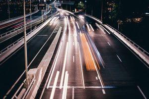 Rechtsfahrgebot: Das sollten Autofahrer auf vielspurigen Straßen beachten