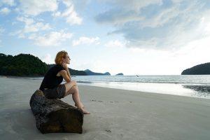 Warum Alleinsein so wichtig für unser Wohlbefinden ist