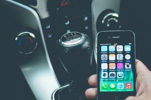 Höhere Strafen für Handy am Steuer