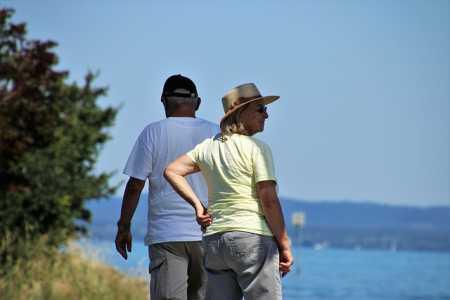 Rentenversicherung schwimmt im Geld
