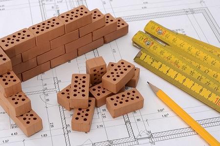 Mit den richtigen Versicherungsverträgen durch die Bauphase