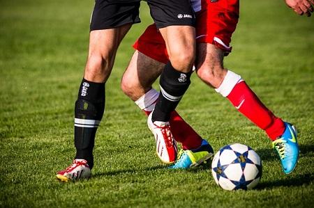 Versicherungen im Fußball: Profisportler, Amateur-Fußballer, Vereine