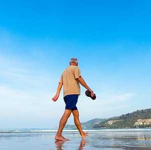 Je wohlhabender deutsche Männer im Ruhestand sind, desto älter werden sie