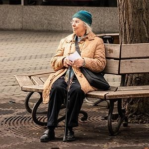 Vielen Rentnern droht ein erheblich niedrigerer Lebensstandard im Alter