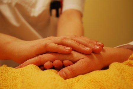So gelingt Pflege zu Hause: Ein Ratgeber für pflegende Angehörige