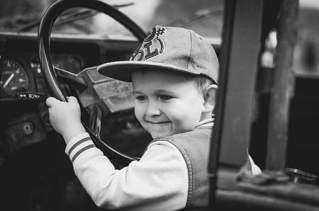 Autoversicherung für Fahranfänger: Kosten & Spartipps