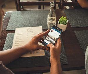 Online-Bestellungen, Live-Chats oder Apps - Service Digitalisierung