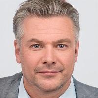 Versicherungsmakler Peter Sandford