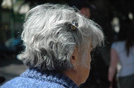 Altersarmut: Warum Frauen für den Ruhestand vorsorgen sollten