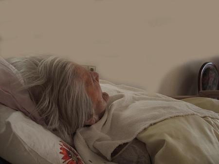 Die Hälfte der Pflegebedürftigen wird zu Hause von Angehörigen versorgt
