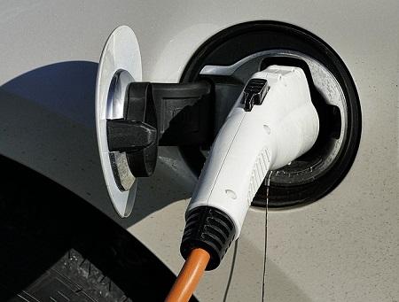 Kfz-Versicherung: So versichert man ein Elektroauto am besten
